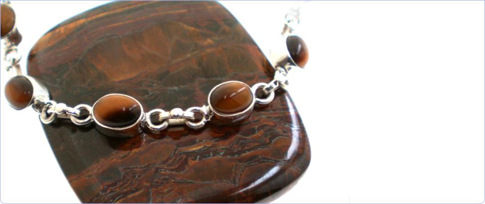 Silver bracelet and semi-precious gemstone from Marjo
